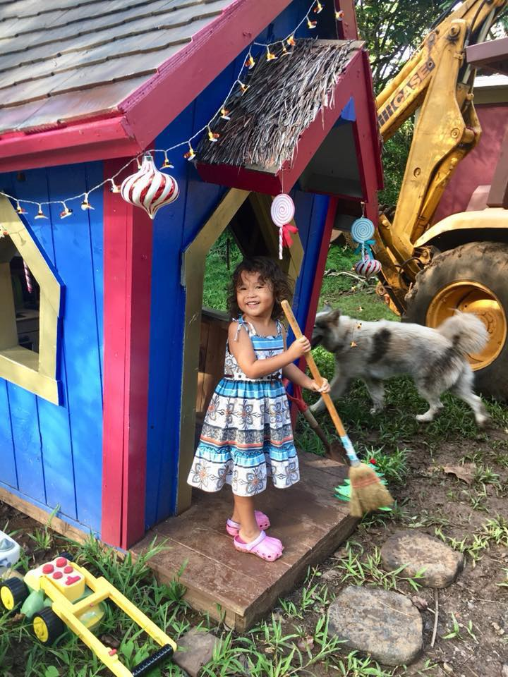 21d little girl in playhouse